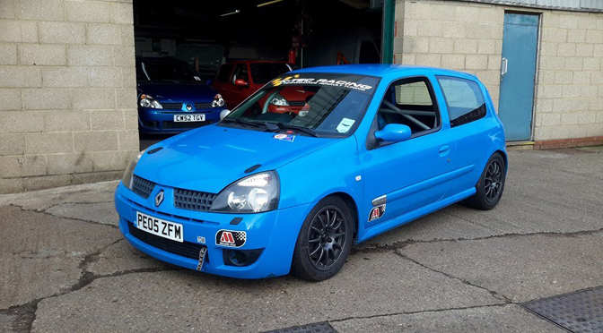 Mark Fish returns to racing in the Clio 182 Championship